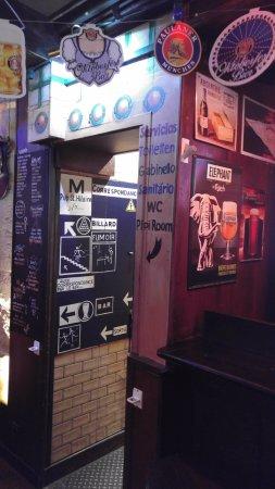 Le Pub St Hilaire: Interior