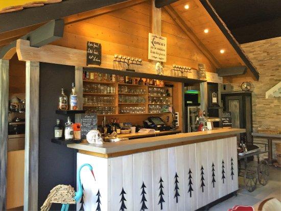 Saint-Jorioz, France: Bar chalet LM