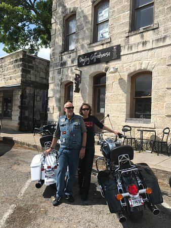 تيسينو, سويسرا: Outside Coffee house in Bandera Texas