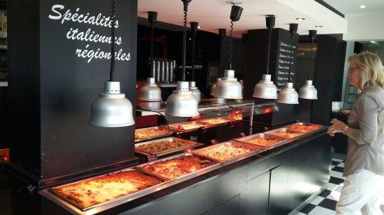 Decines-Charpieu, Frankreich: Viande et légumes.