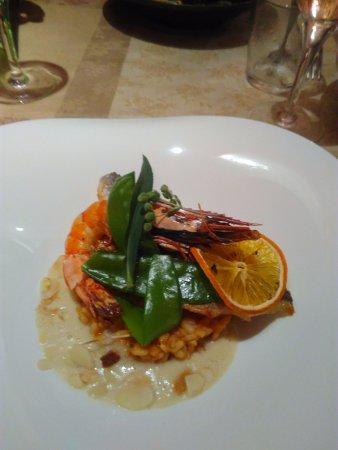Sorede, Francia: daurade royale avec son risotto et sa crème d'oignon