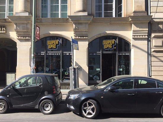 hp merch picture of supreme replicas store berlin tripadvisor. Black Bedroom Furniture Sets. Home Design Ideas