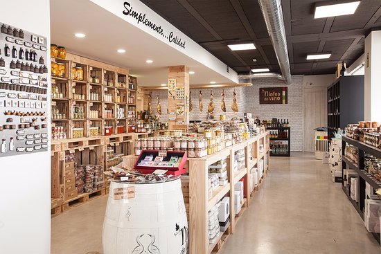Alfaro, Espagne : Interior de la tienda