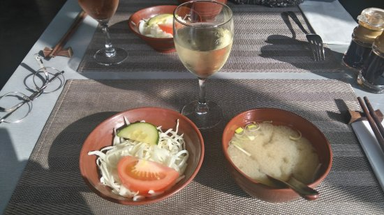Asnieres-sur-Seine, Frankrig: formule choisie à13 euro environ avec soupe et salade ...