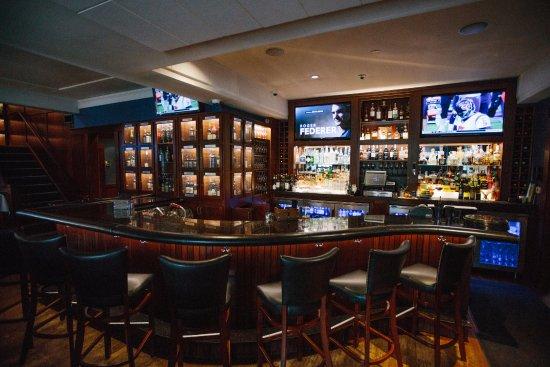 Delafield, WI: Lounge