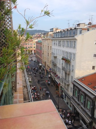 Ajoupa Apart'hotel Nice: The view from the apartment suite terrace, looking east toward Place Messena.