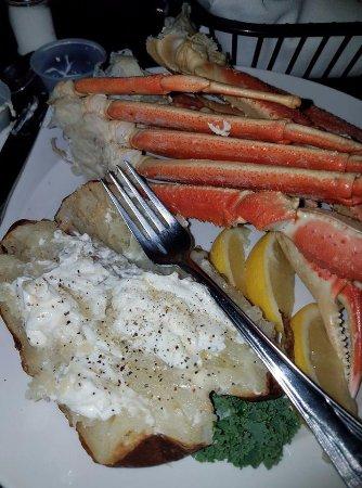 Ankeny, Αϊόβα: 1lb Snow Crab legs, and baked potato