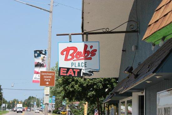 Alanson, MI: Bob's Place