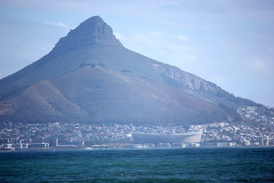 Bloubergstrand Beach: Lions Head, Signal Hill, Stadium, Green Point