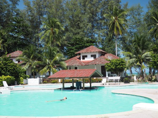 Perdana Beach Resort Review