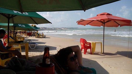 D Beach Resort: Praia em frente ao hotel.