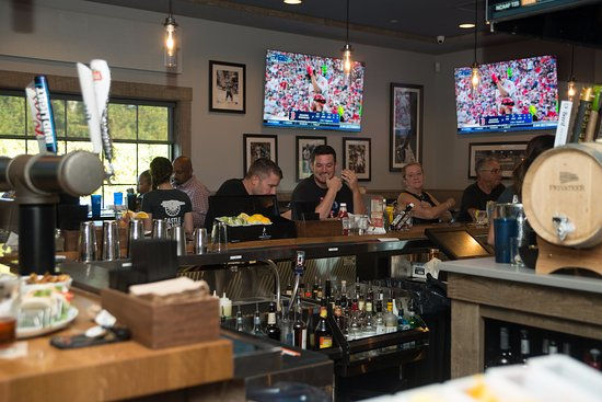 Dartmouth, แมสซาชูเซตส์: Perfect for watching the game with friends!