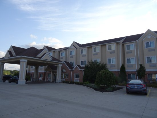 Microtel inn suites by wyndham michigan city updated 2017 hotel reviews price comparison for Olive garden michigan city indiana