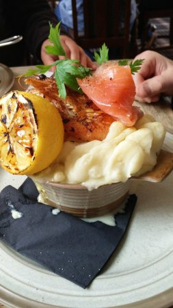 Tring, UK: The luxury fish pie (The fresh vegetables are not shown)