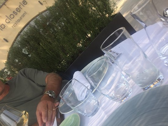 Ansouis, France: The lovely La Closerie - on the terrace