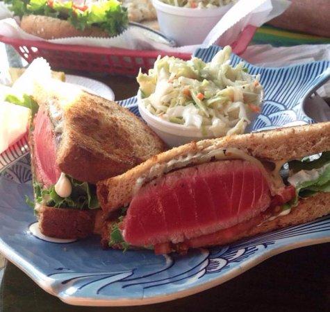 Ahi tuna steak sandwich billede af sanibel fish house for Sanibel fish house
