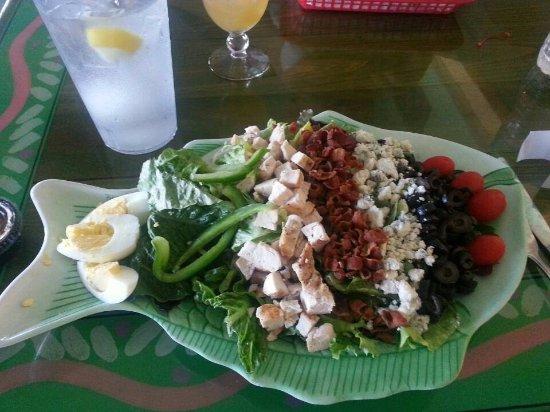 Beautiful cobb salad billede af sanibel fish house for Sanibel fish house