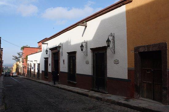 Belmond Casa de Sierra Nevada: Main hotel entrance off the street