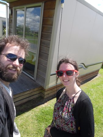 Otorohanga, New Zealand: This was the size of the cabin we stayed in. Small but all we needed :)