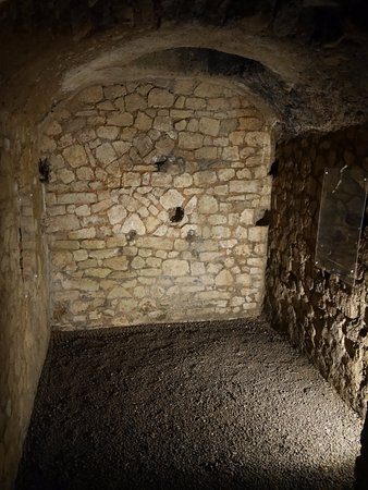 Narbonne, France : cave