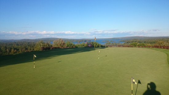 Belgrade Lakes, ME: Putting Green overlooking Belgrade Lake