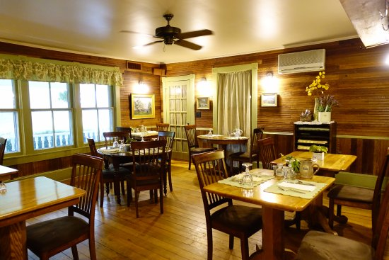 Valle Crucis, Carolina del Norte: One of the two dining rooms.