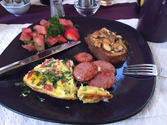 Holland Inn : Breakfast - yum!!!