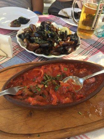 Familia Fish & Grill: photo0.jpg