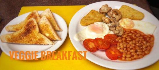 Knighton, UK: Little Black Sheep veggie breakfast including a drink of choice