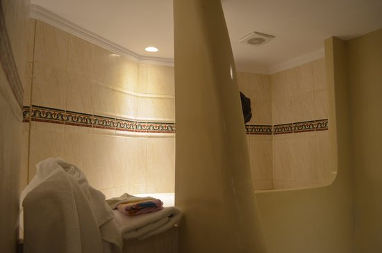 Villa Renos : The shower