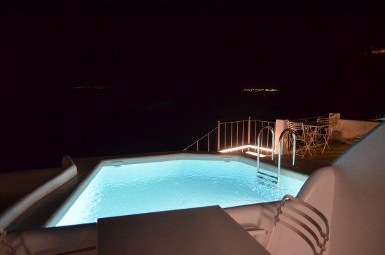 Villa Renos : Our balcony at night