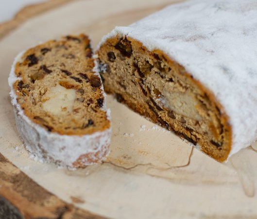 Shepherdstown, Virginia Occidental: We're making our famous Holiday Stollen!  Don't wait too long to order yours for the holidays!
