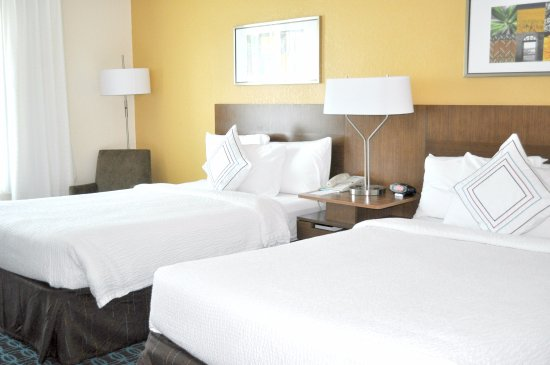 Streetsboro, OH: Newly Renovated Double Bed Suite