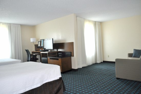 Streetsboro, OH: Newly Renovated Extended Double Suite