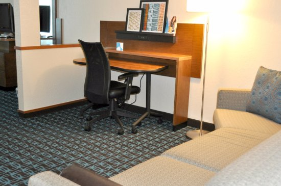 Streetsboro, OH: Newly Renovated King Suite