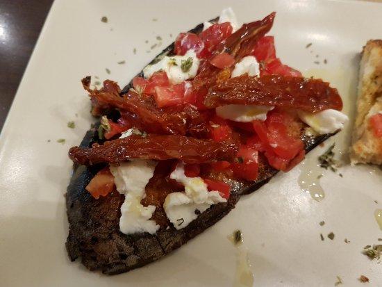 San Giovanni al Natisone, Italia: Ricotta salata e pomodorini secchi