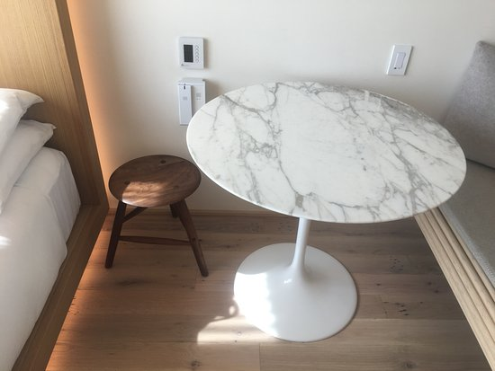 saarinen tulip table not a shitty knock off picture of public new york city tripadvisor. Black Bedroom Furniture Sets. Home Design Ideas