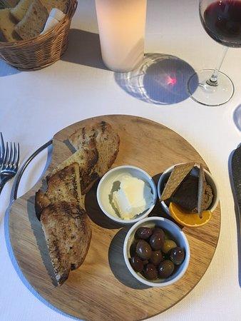 Izela Restaurant: photo1.jpg