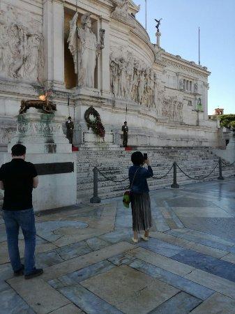 Piazza Venezia : IMG_20171011_104918_large.jpg