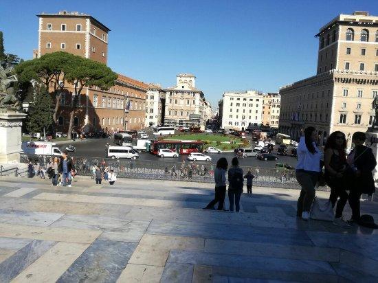 Piazza Venezia : IMG_20171011_105004_large.jpg