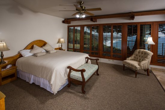 Ragged Point Inn: This is a room in our Cliffhouse