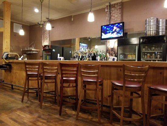 West Jefferson, Carolina del Norte: back bar at Boondocks