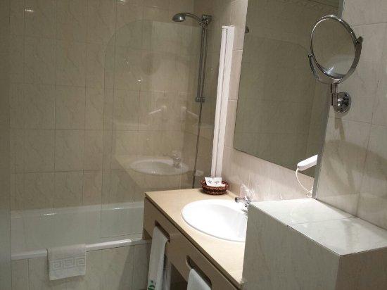 เอลอีจิโด, สเปน: Cuarto de baño.  Ejido hotel.
