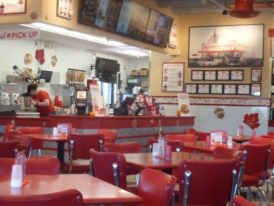 Centerville, OH: Freddy's Frozen Custard and Steakburgers