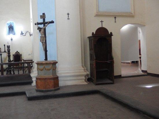 Jesus Maria, Argentina: Interior de la iglesia