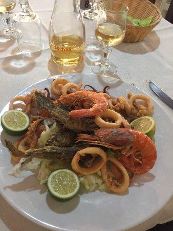 San Vito, Italia: antipasti e fritto misto