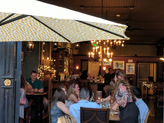 Rembrandts Gallery Wine Bar An Evening At