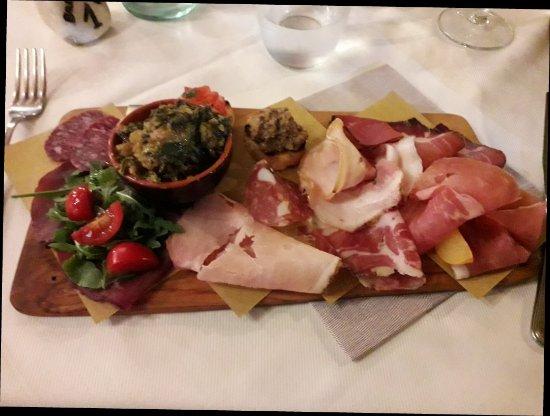 Montescudaio, Italia: 20170905_213615_large.jpg