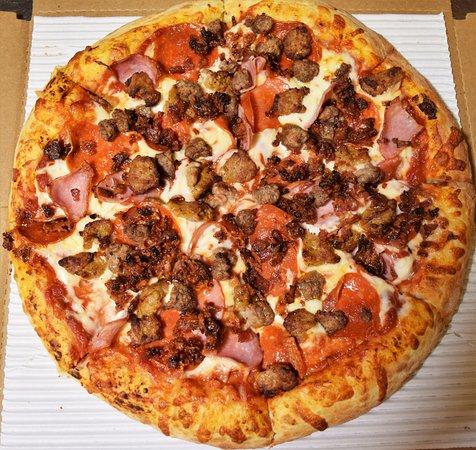 Allendale, MI: All Meat Gourmet Pizza