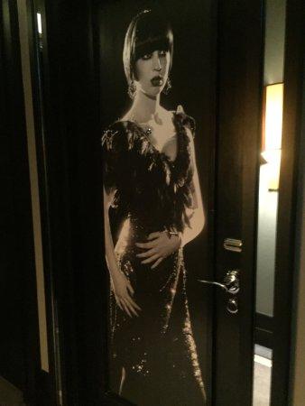 ذا ميرشانت هوتل: Our hotel room door